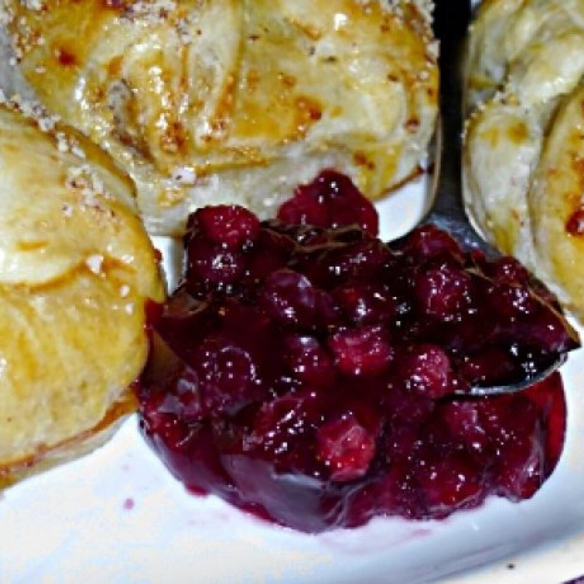 Ezen a képen: Camembert batyu körtével és baconnel