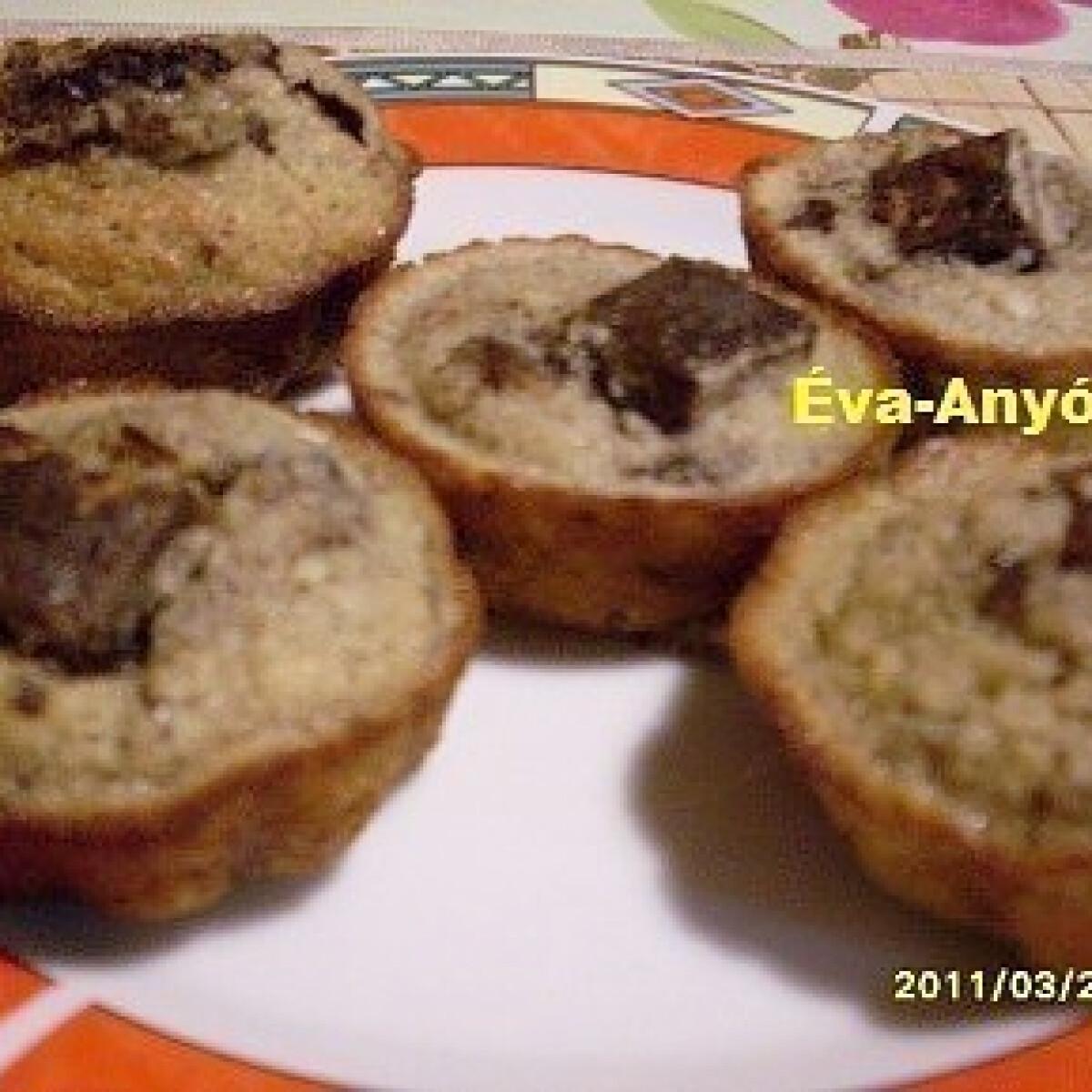 Ezen a képen: Étcsokis nápolyis muffin