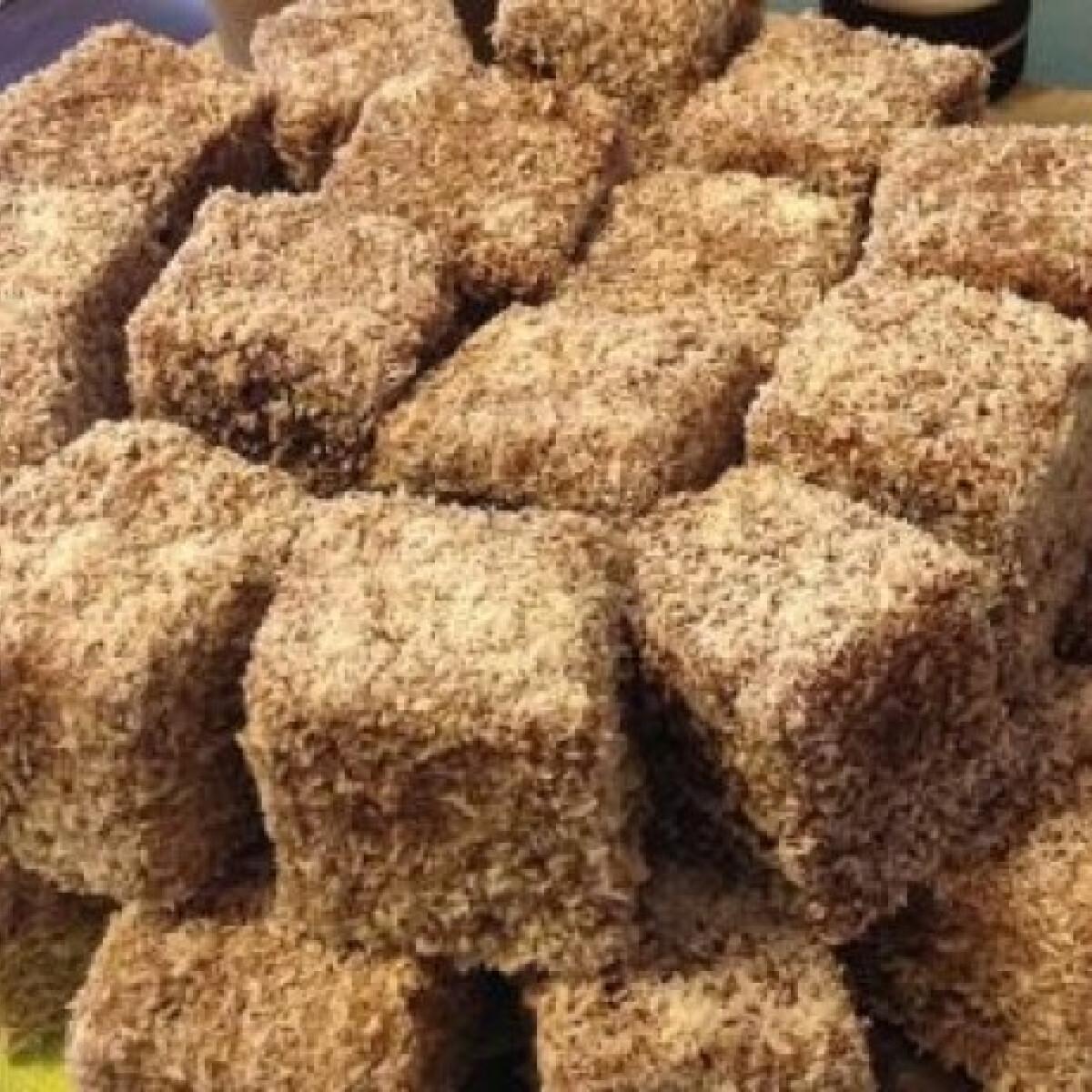 Ezen a képen: Mézes kókuszkocka Usika konyhájából