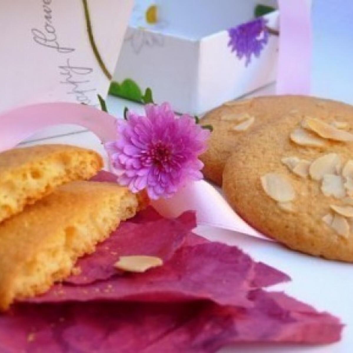 Ezen a képen: Mandulás keksz amarettóval
