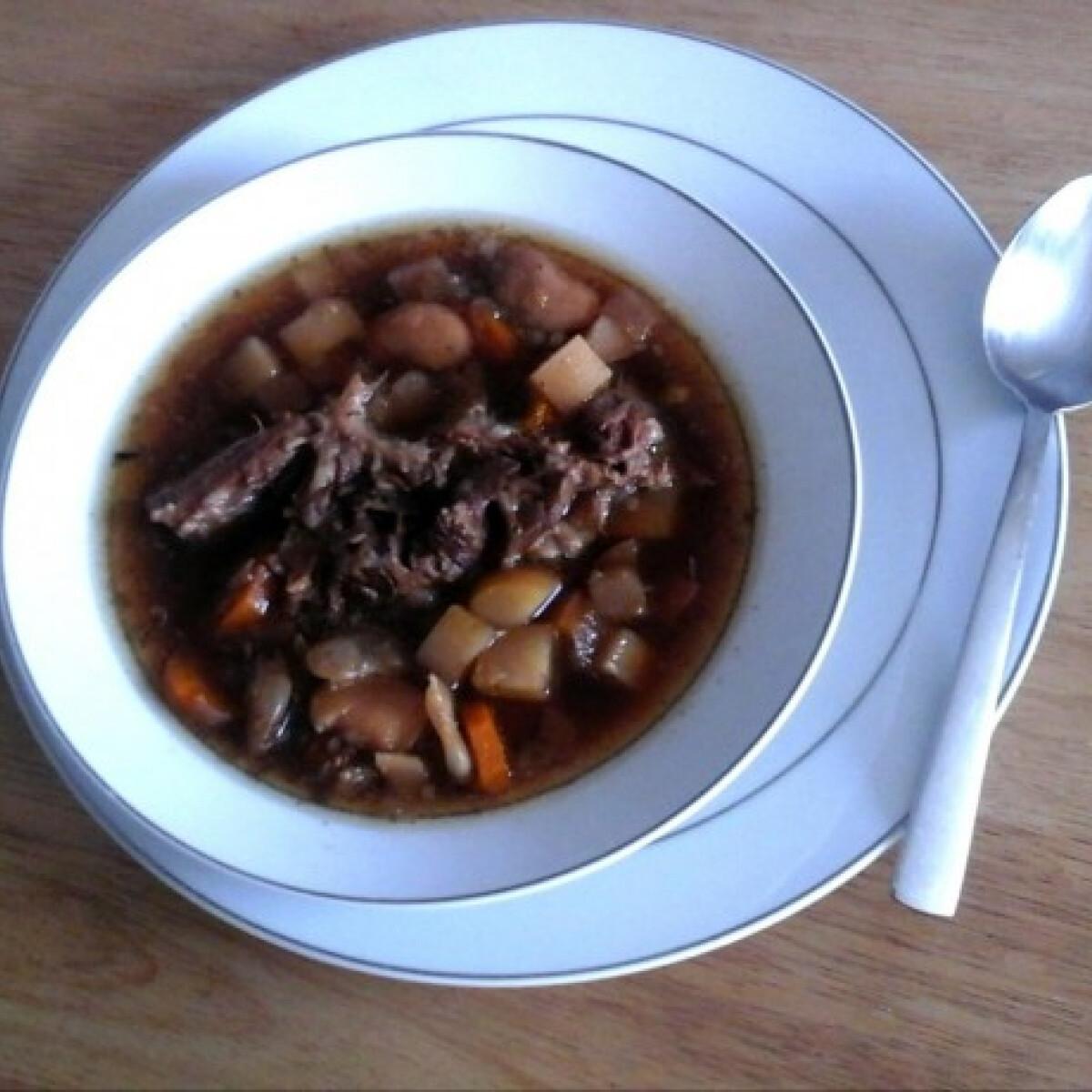 Ezen a képen: Marhafarok stew