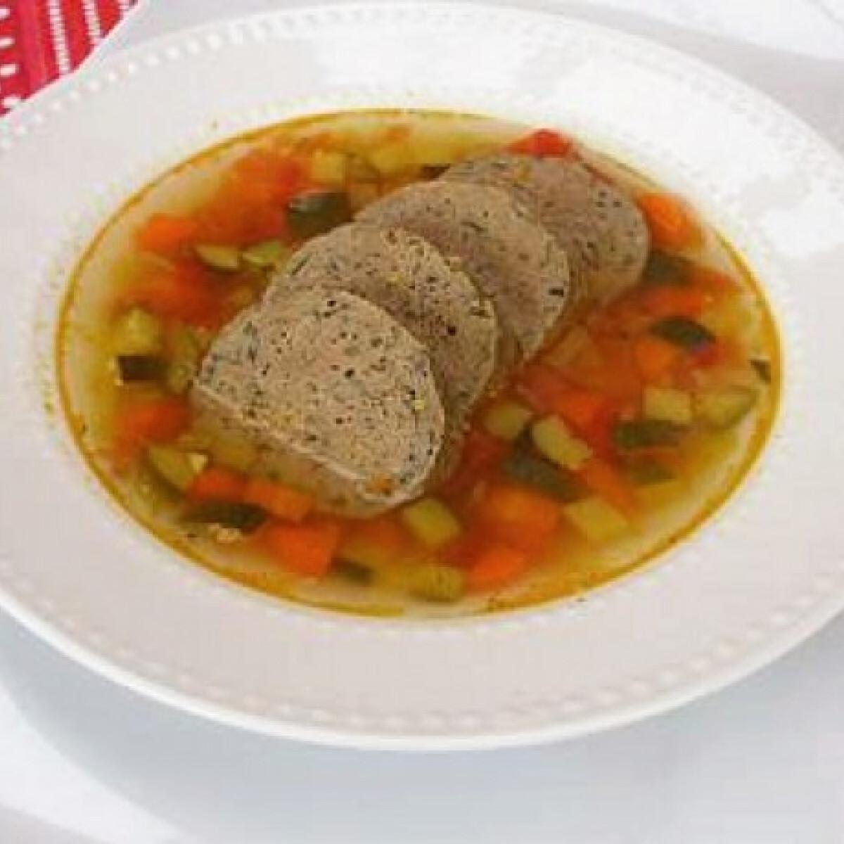 Ezen a képen: Töltelék leves