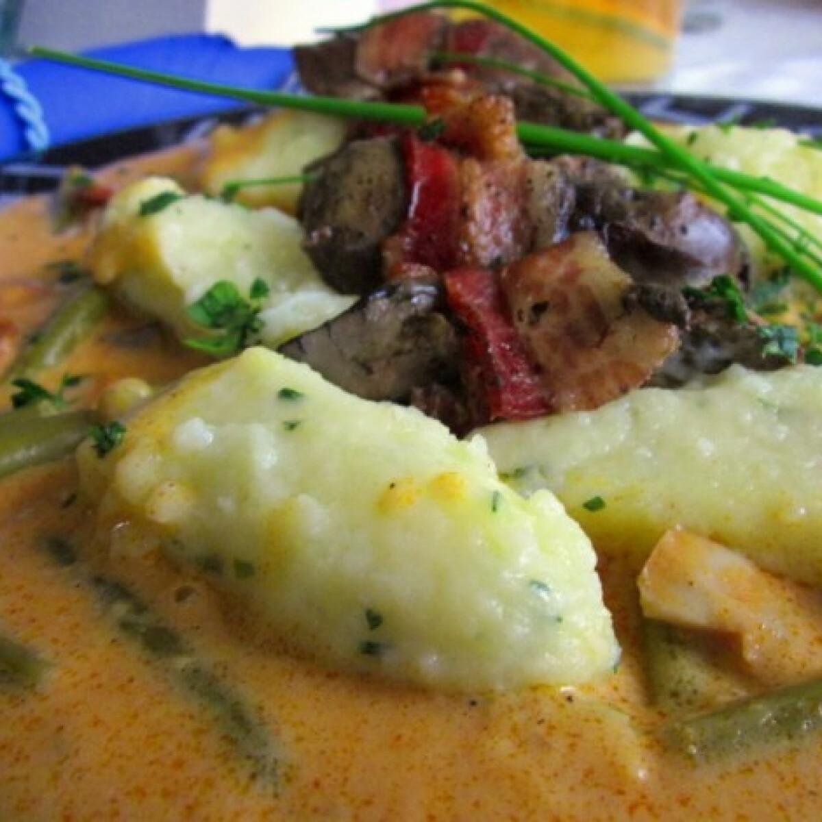 Ezen a képen: Palóc csirkemáj bernecei nagyhaluskával