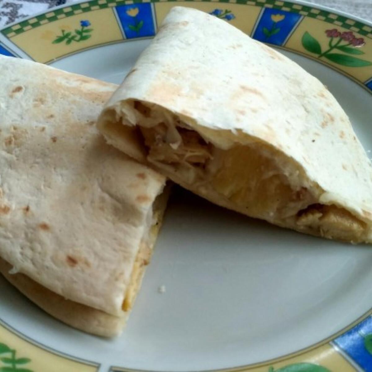Ezen a képen: Csirkés quesadilla