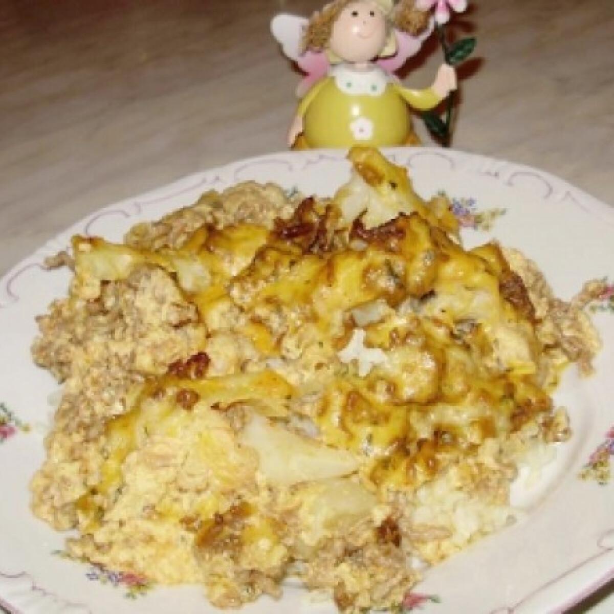 Ezen a képen: Rakott karfiol Boszi konyhájából