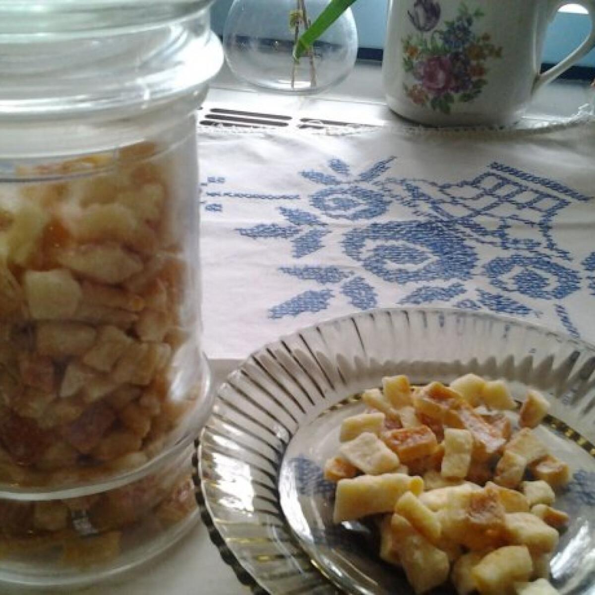 Ezen a képen: Kandírozott narancshéj Csukamama konyhájából
