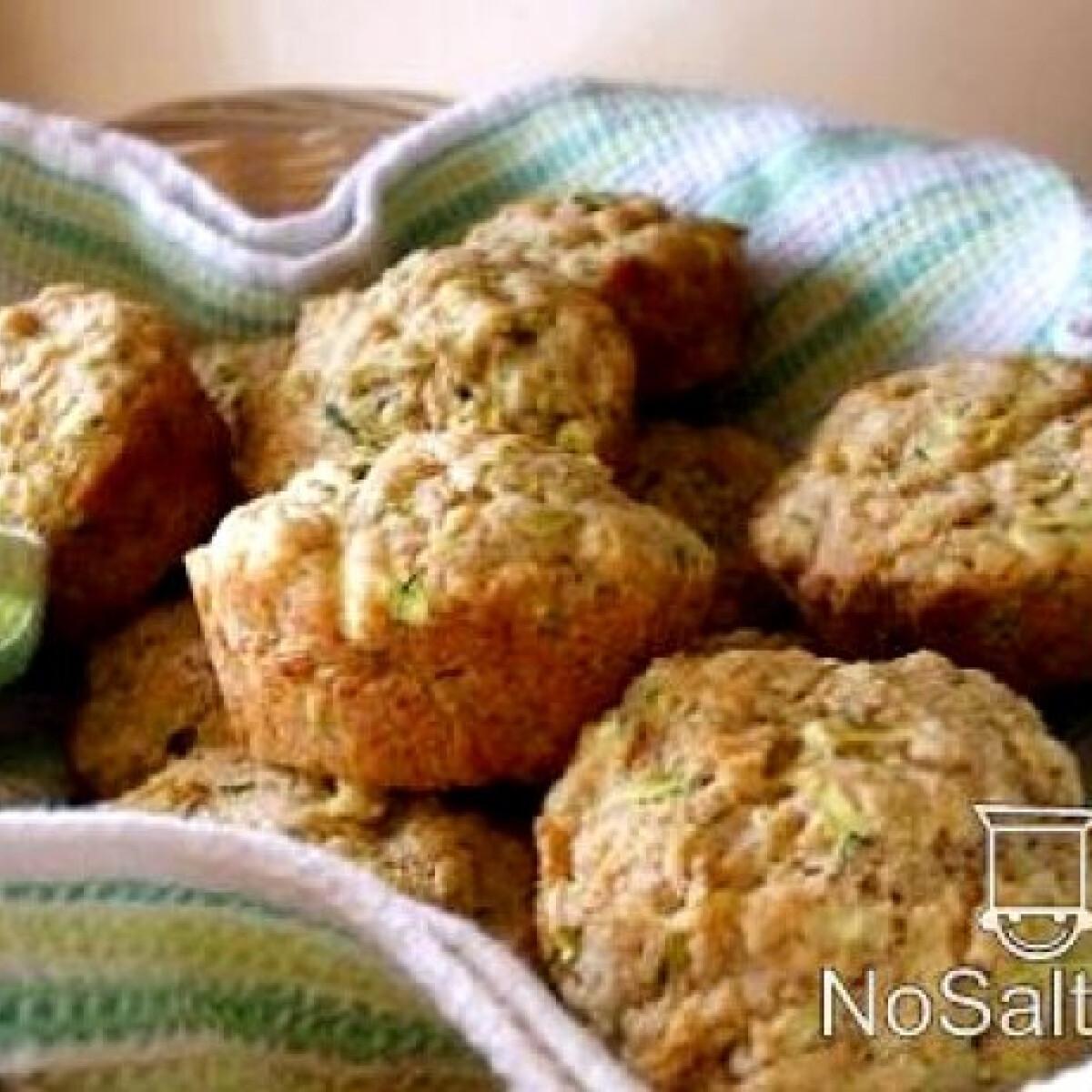 Parmezános-cukkinis muffin