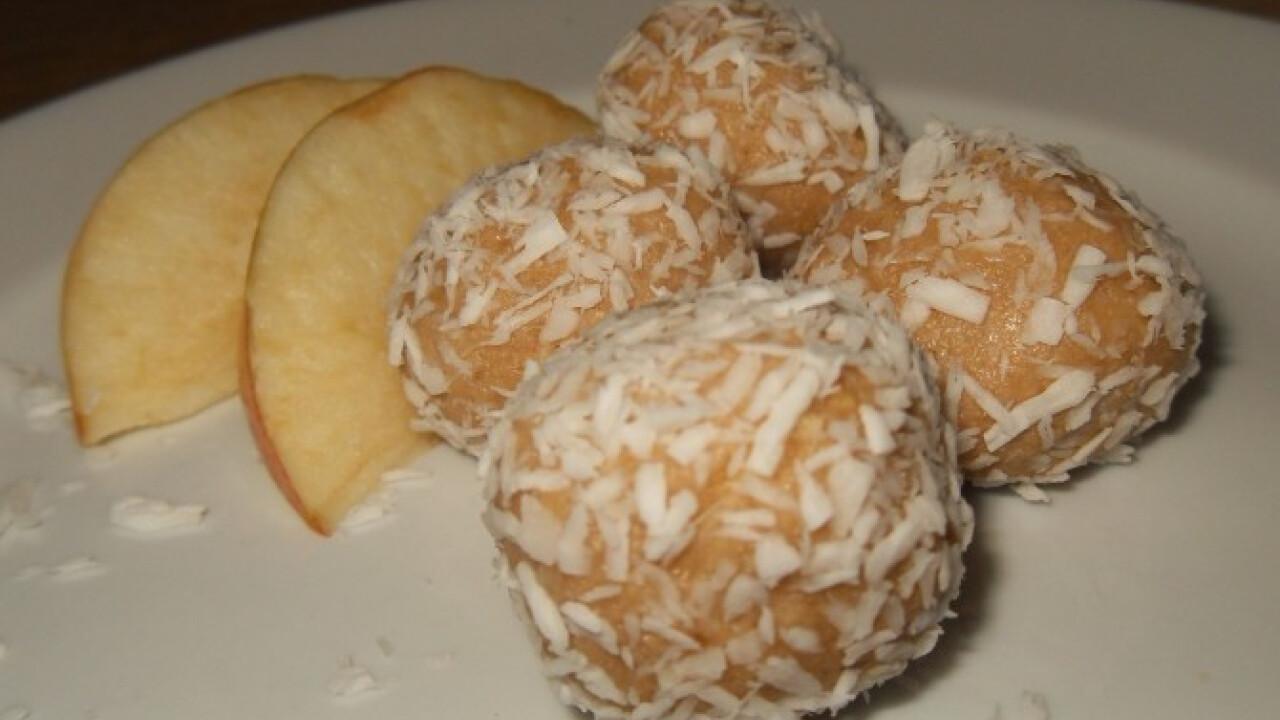 Almás-mandulás kekszgolyó