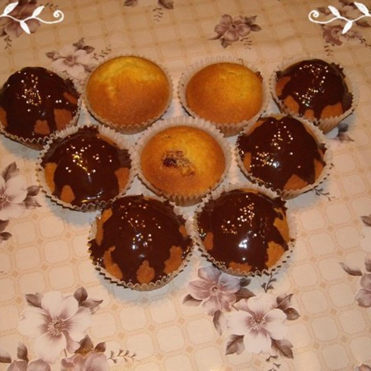 Ezen a képen: Lekváros muffin Nikóka konyhájából