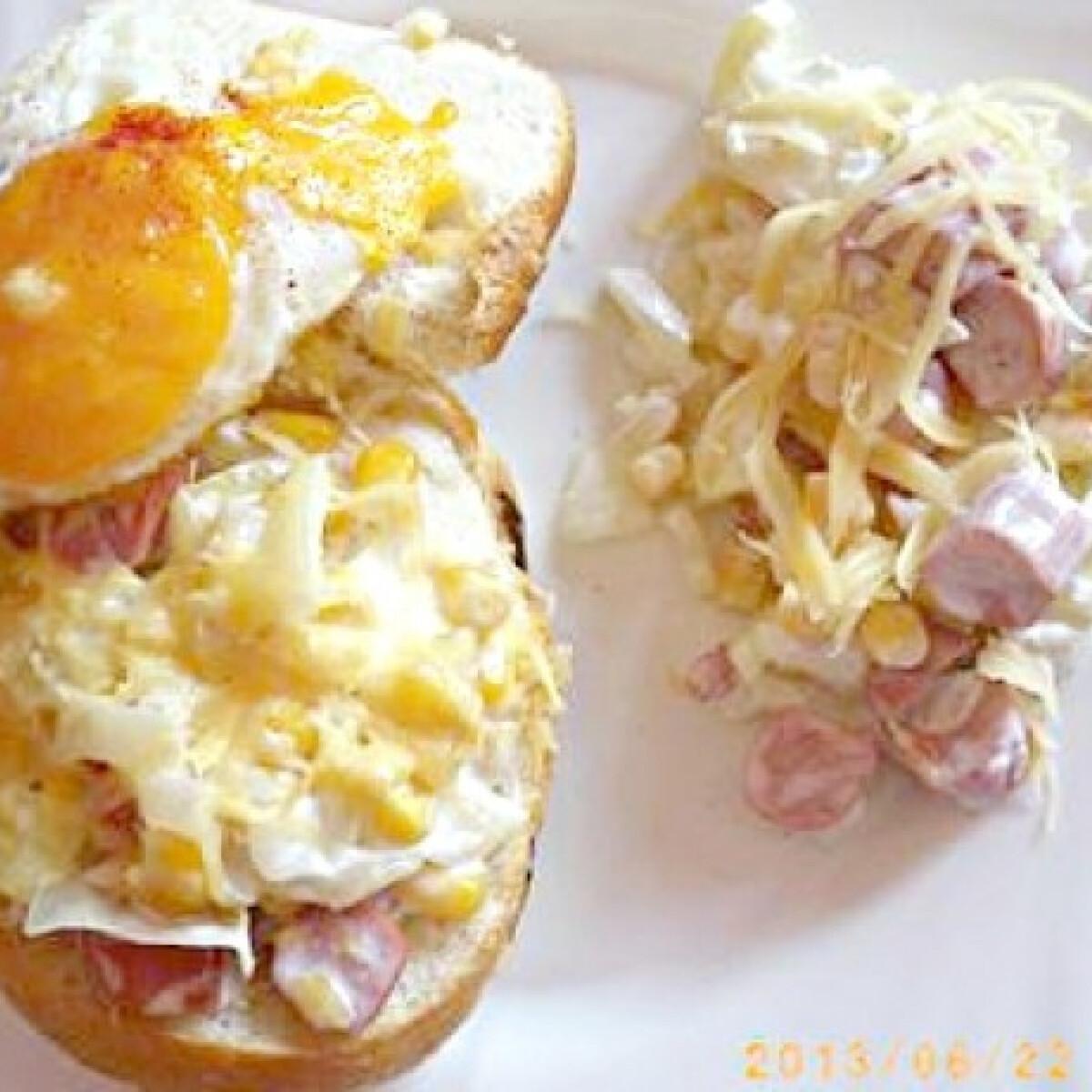 Ezen a képen: Virslis-sajtos-tojásos sült zsemle