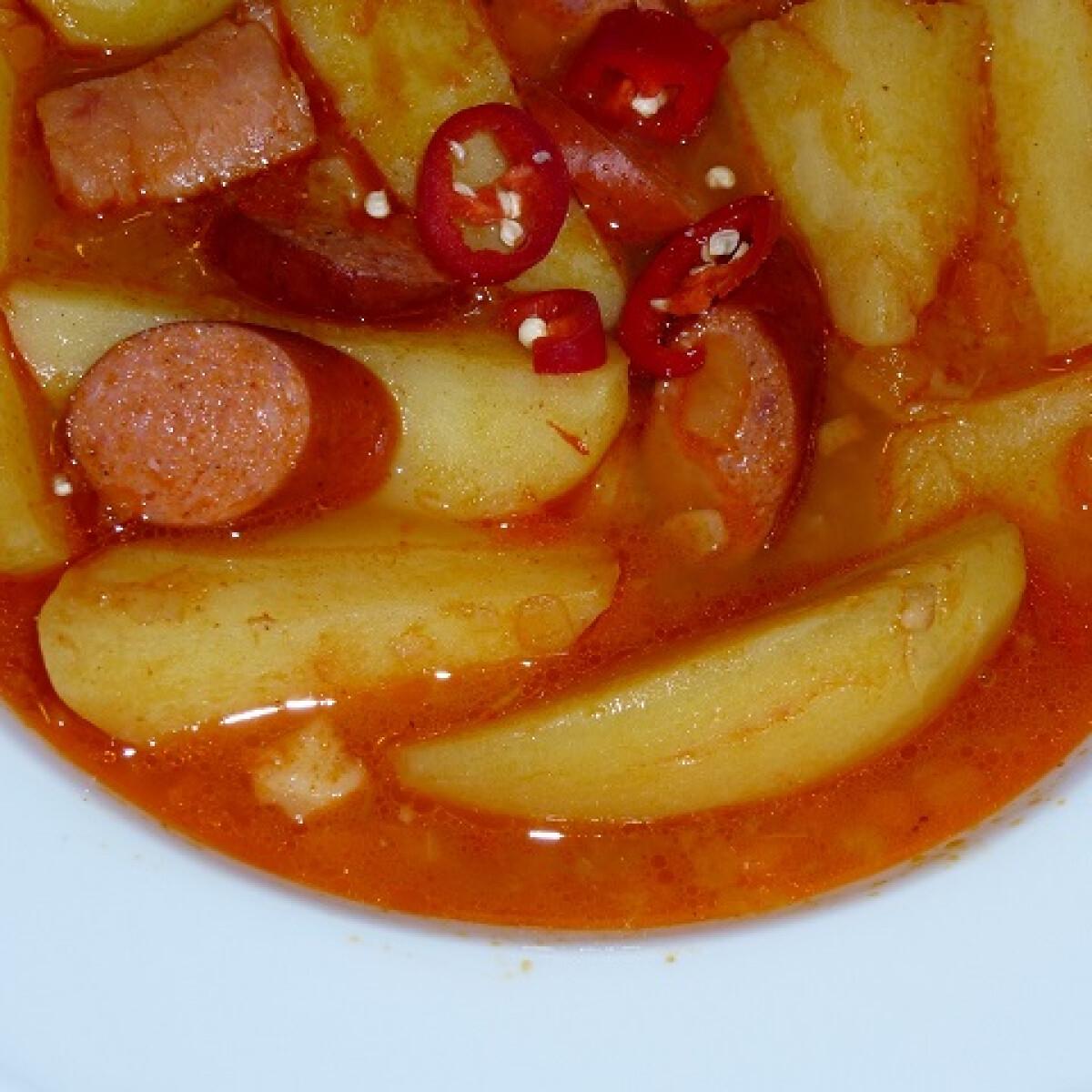 Ezen a képen: Paprikás krumpli Mártitól