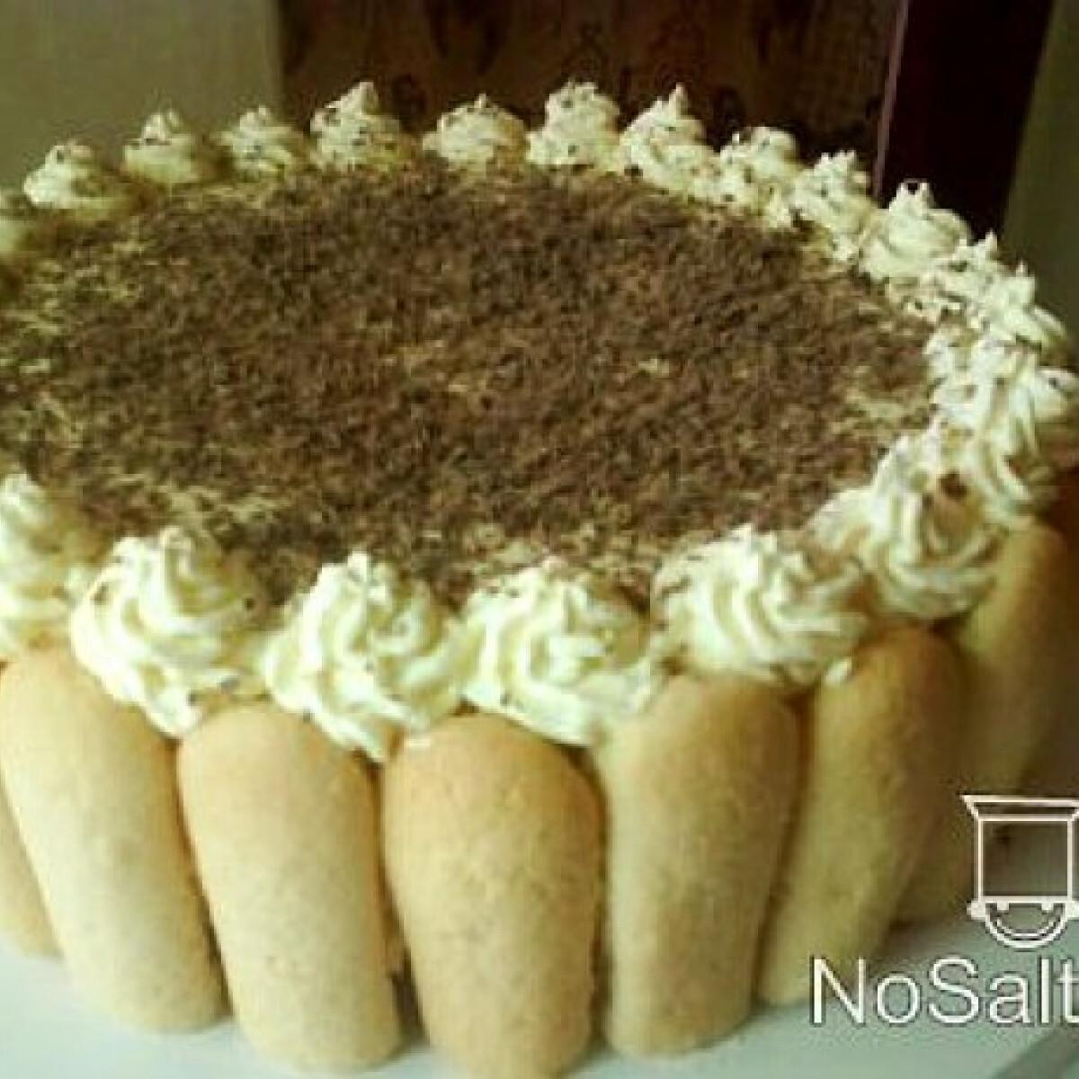 Ezen a képen: Vanília torta