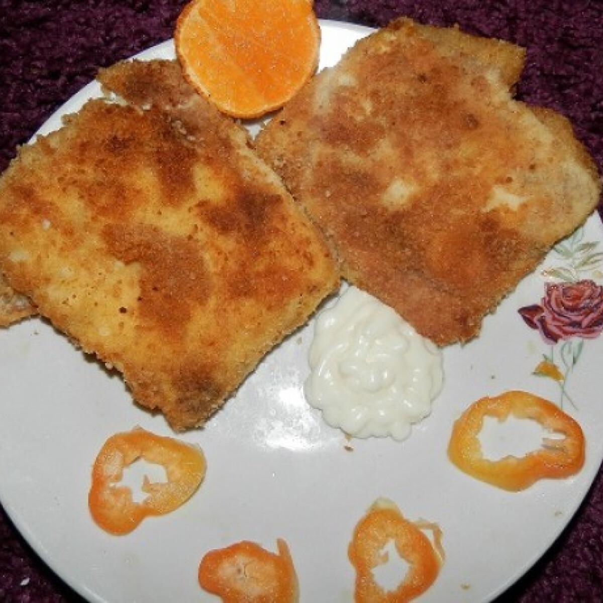 Ezen a képen: Sonkás-sajtos rántott palacsinta