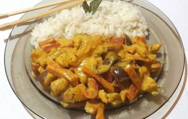 Csirke curry jázmin rizzsel