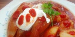 Töltött paprika chilis paradicsomszószban