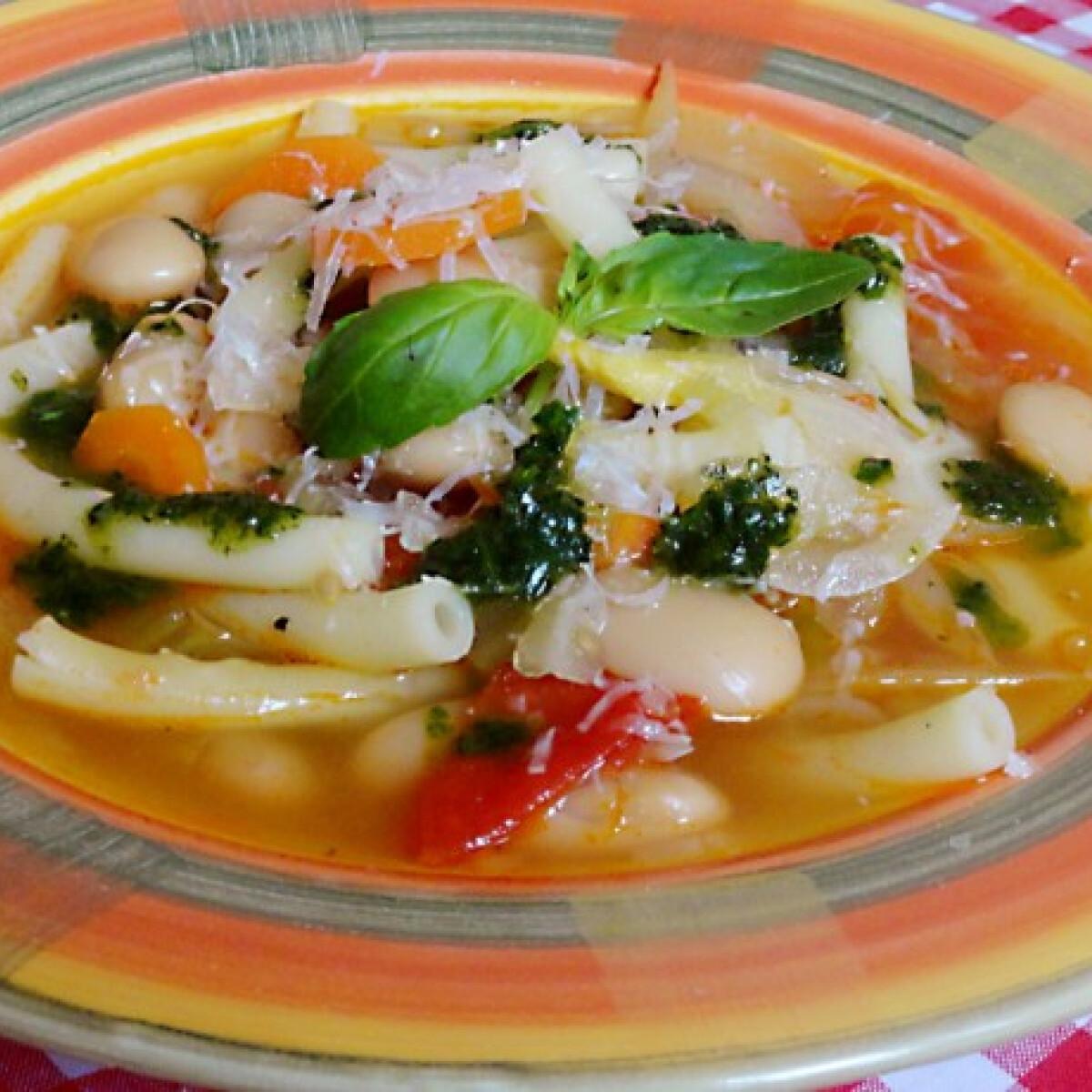 Ezen a képen: Gyors minestrone leves