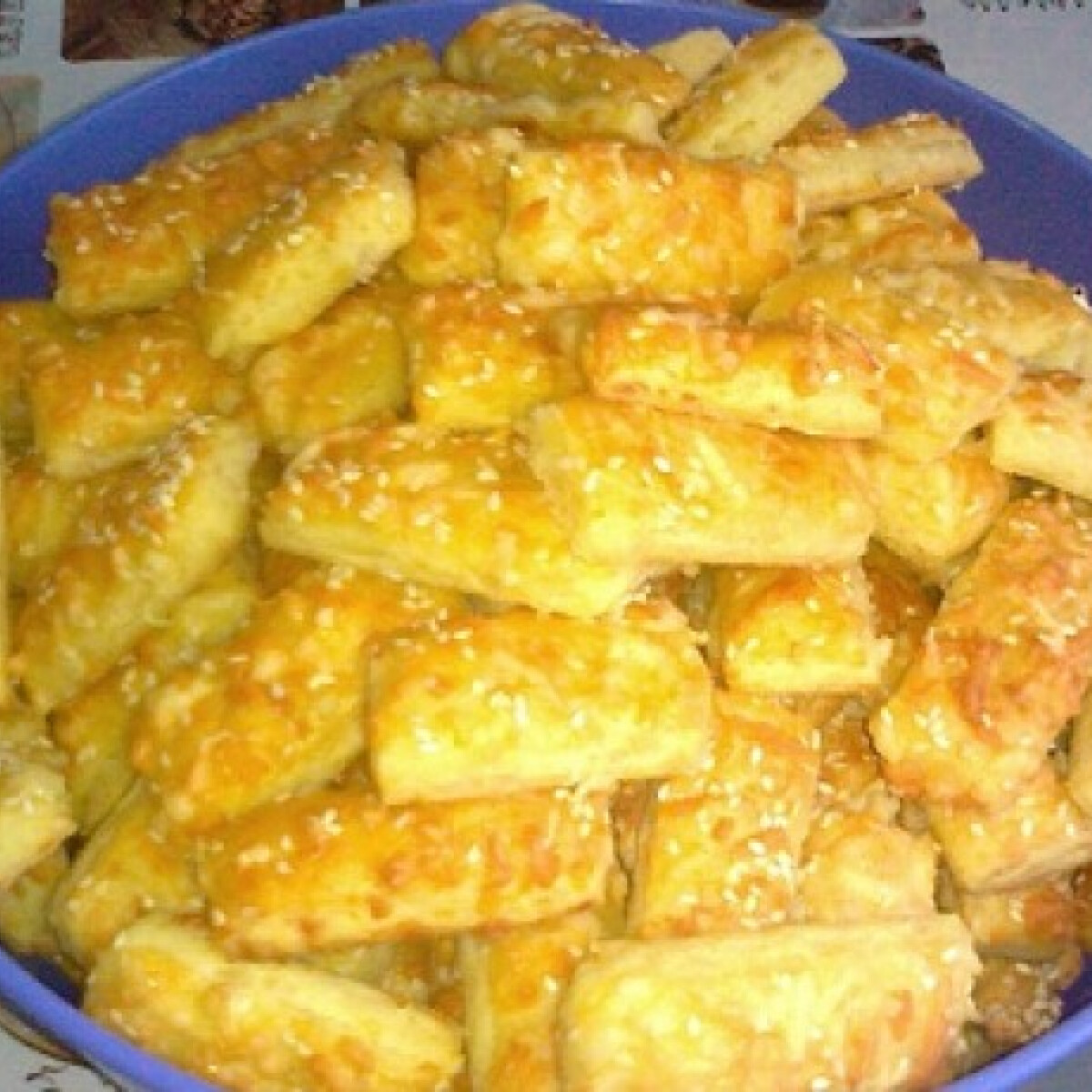 Ezen a képen: Omlós sajtos rudacskák Ketryntől