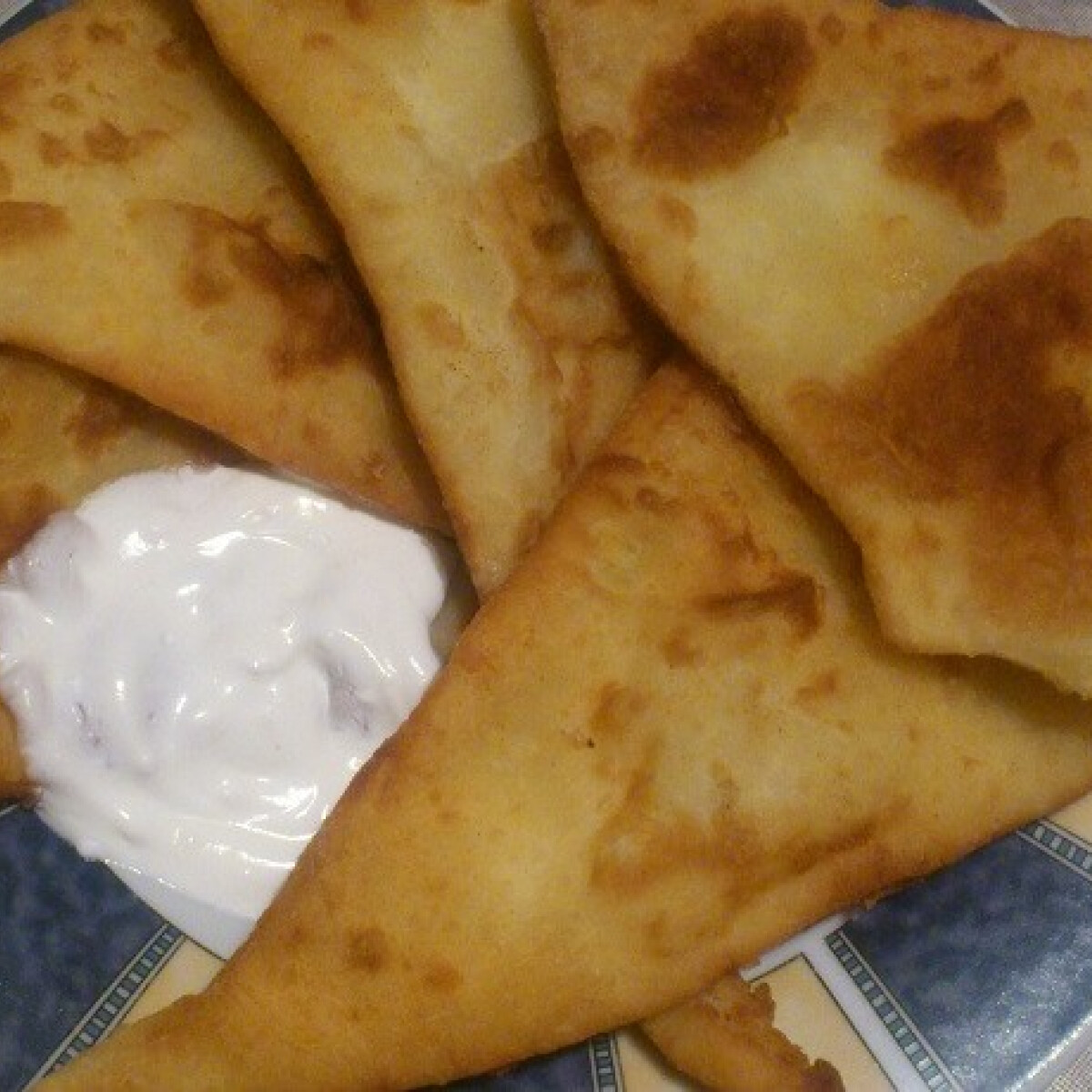 Ezen a képen: Krumplilángos Mimóza-Mimike konyhájából