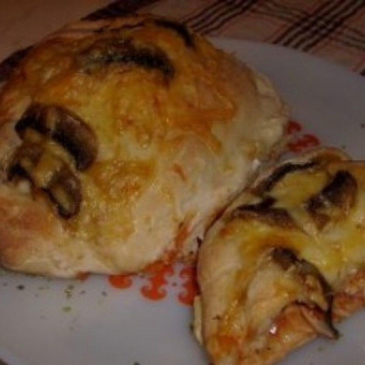 Gombás pizza párna