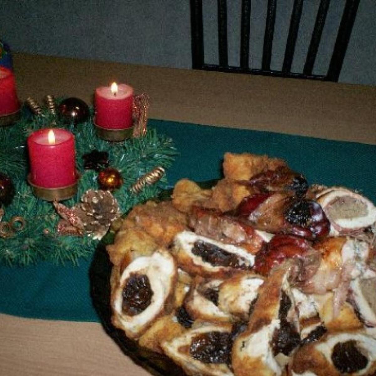 Ezen a képen: Aszalt szilvás-vörösboros csirkemell