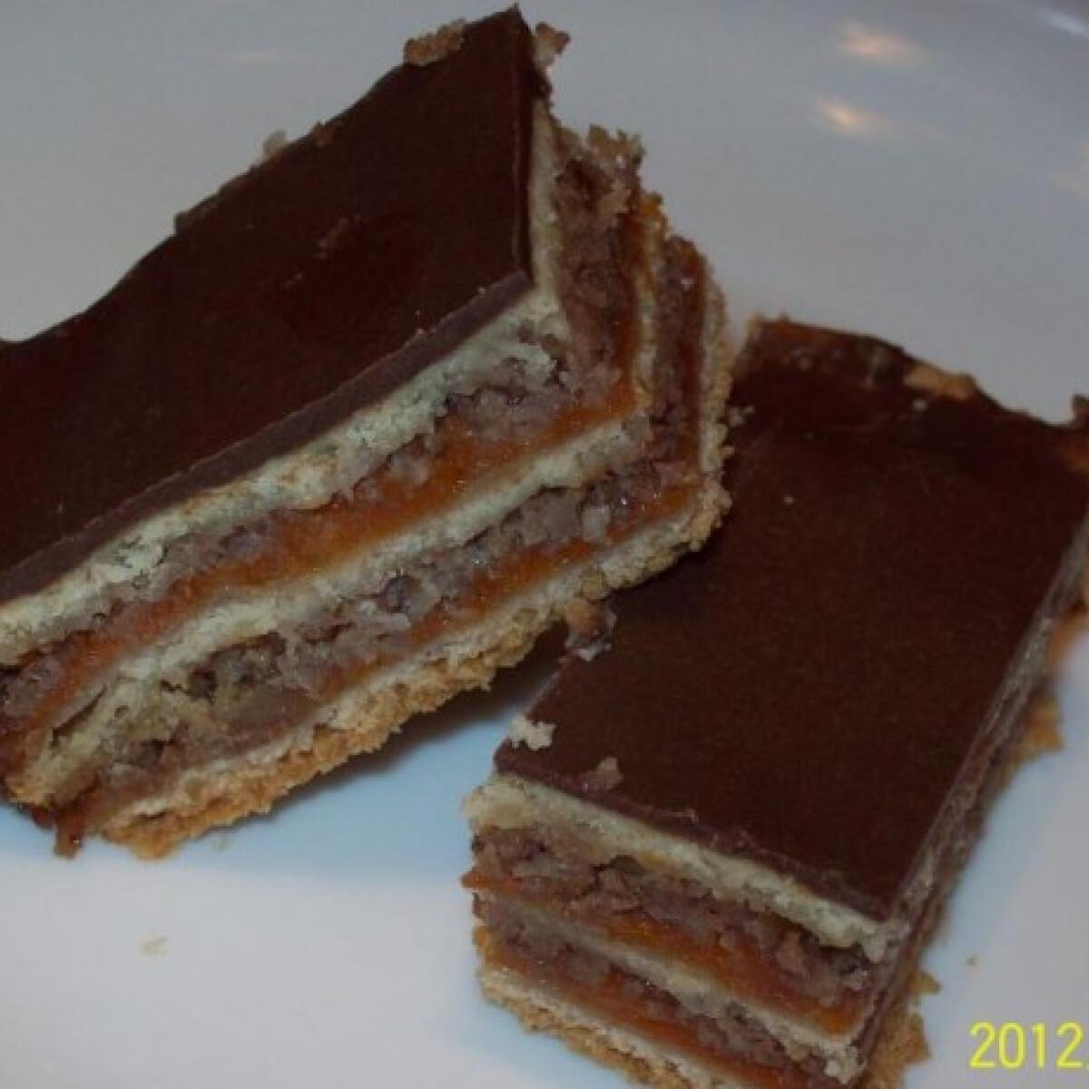 Ezen a képen: Gluténmentes diós zserbó Tamianyától
