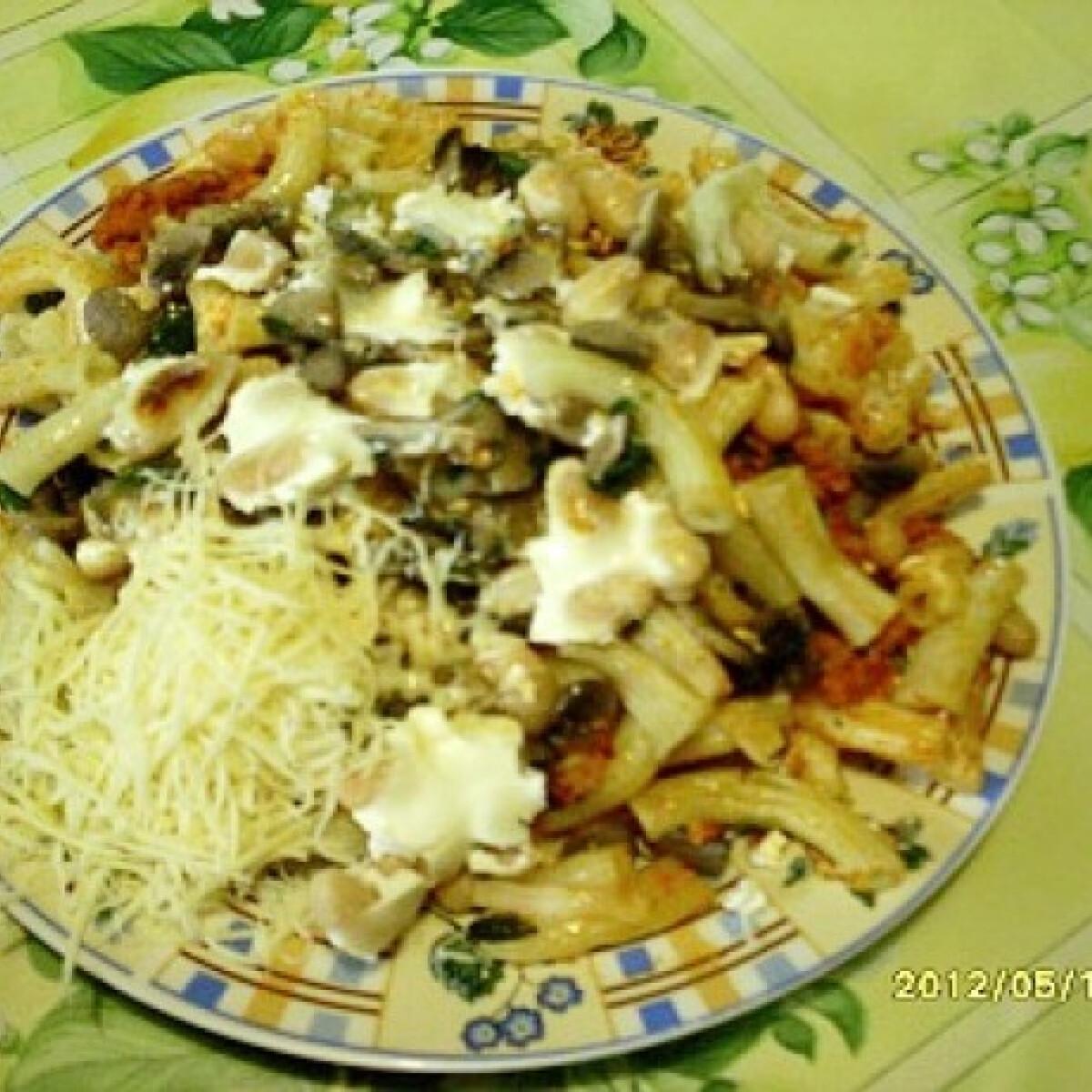 Gombás-fehérbabos-húsos rakott tészta