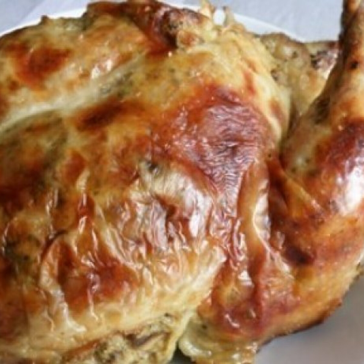Ezen a képen: Majorannás gombával töltött csirke
