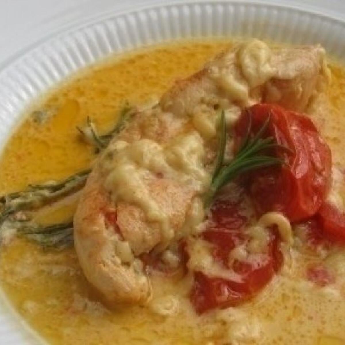 Ezen a képen: Rozmaringos csirke cserépedényben sütve