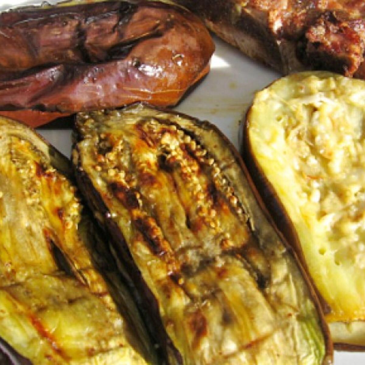 Ezen a képen: Grillezett padlizsán Marcsisef konyhájából