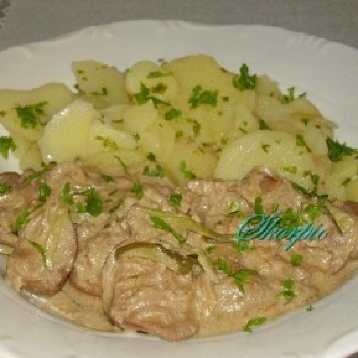 Ezen a képen: Tejszínes-mustáros csirkemáj