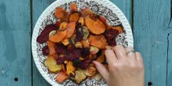 Vegyes fűszeres zöldségchips sütőben sütve