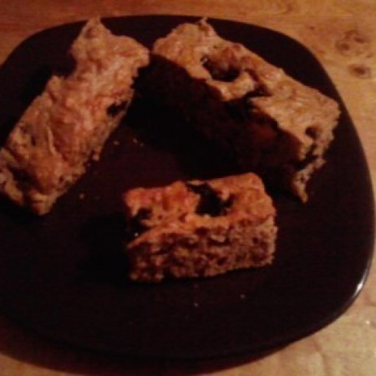 Reform diós-almás-meggyes süti