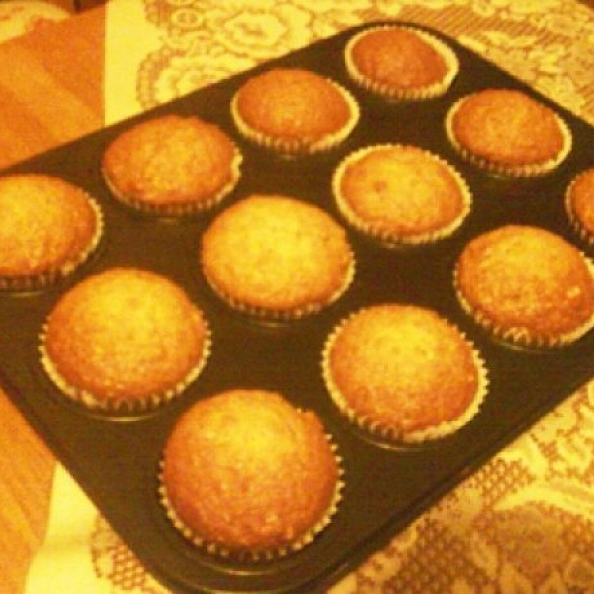 Ezen a képen: Almás-diós bögrés muffin