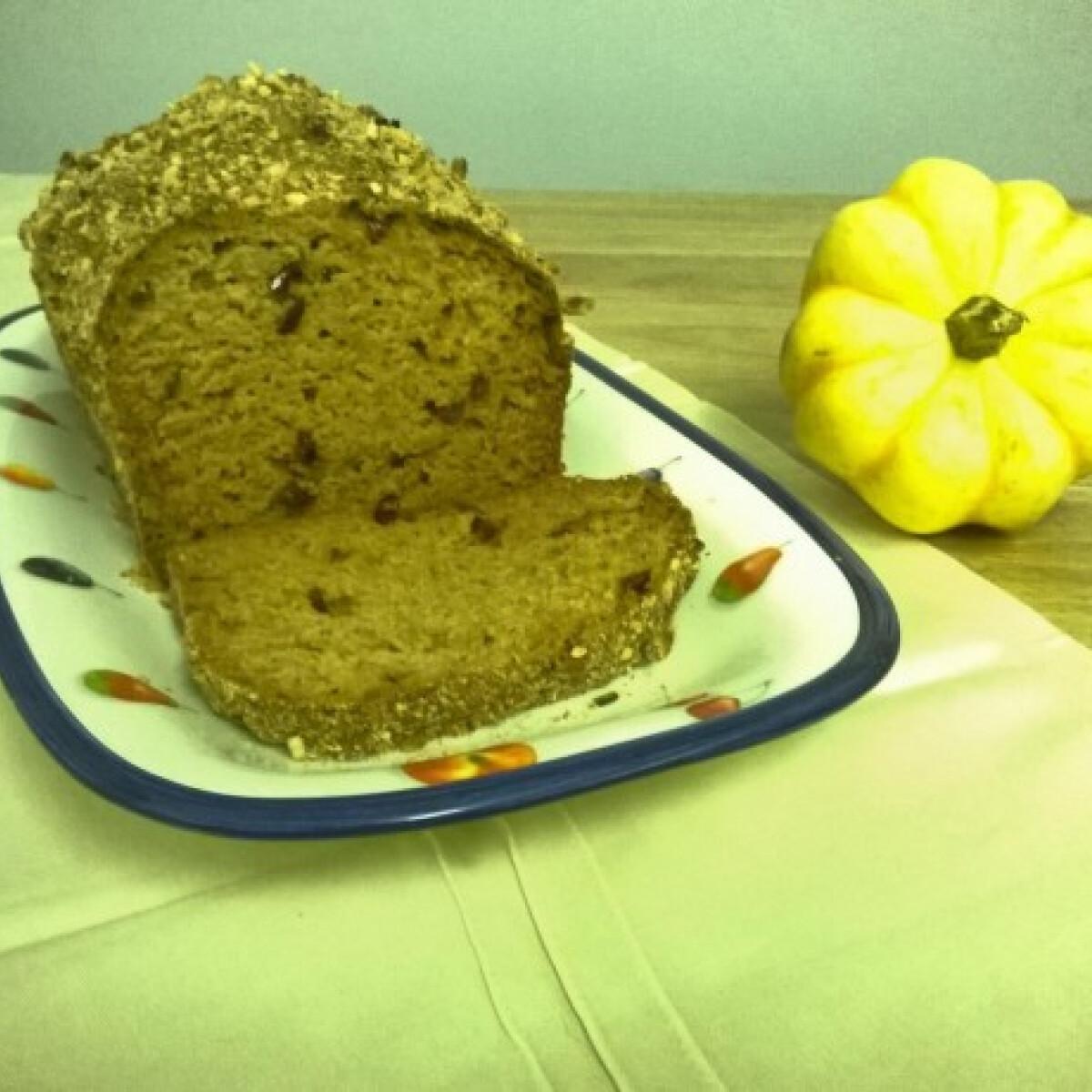 Ezen a képen: Gluténmentes édes tökkenyér